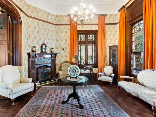 Rural estate steeped in history