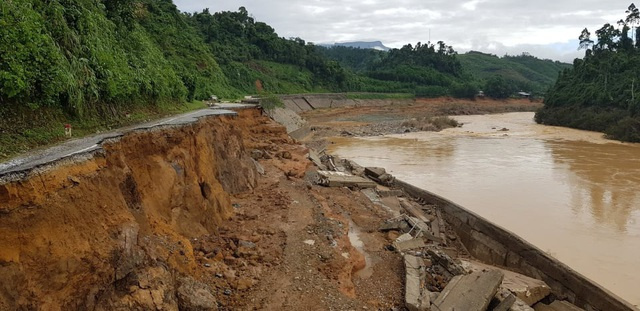 11 people reported missing in another landslide in Quang Nam
