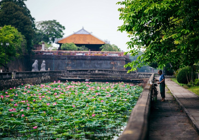 An Hien Garden House, Hue imperial city, travel Hue, tourism attractions in Hue.