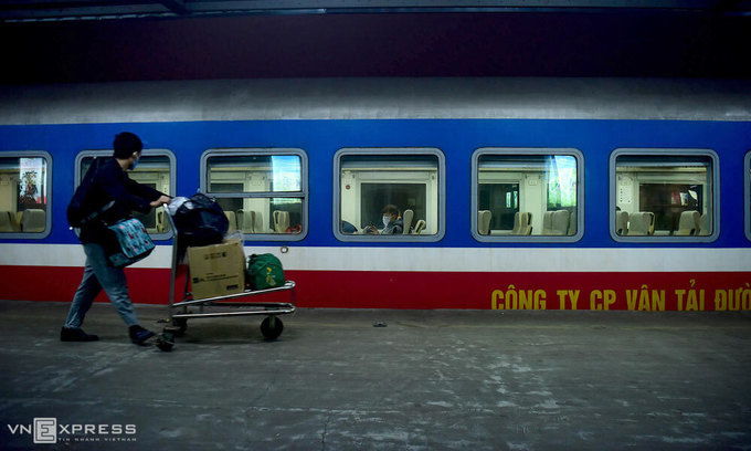 Covid-19 outbreak, Vietnam, railway operators, travel demand, tourist destinations
