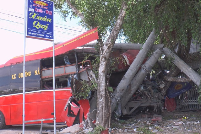 Three die, two injured in Dong Thap traffic accident