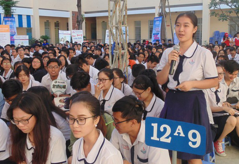 career consultation, high school students, career counselling apps, university tuition fee