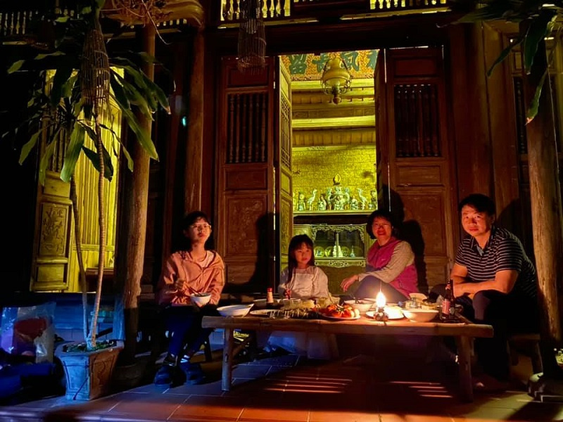 """Tour Duong Lam. """"Turn off the lights"""" Tour, travel for environment protection, """"earth hour"""" ceremony"""
