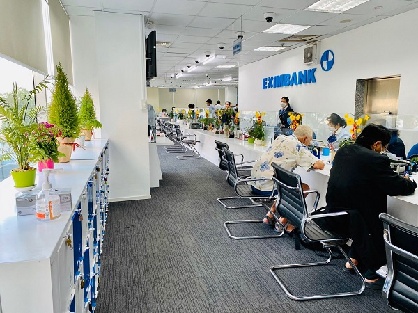 Eximbank recommends that shareholders only work with official bank representatives