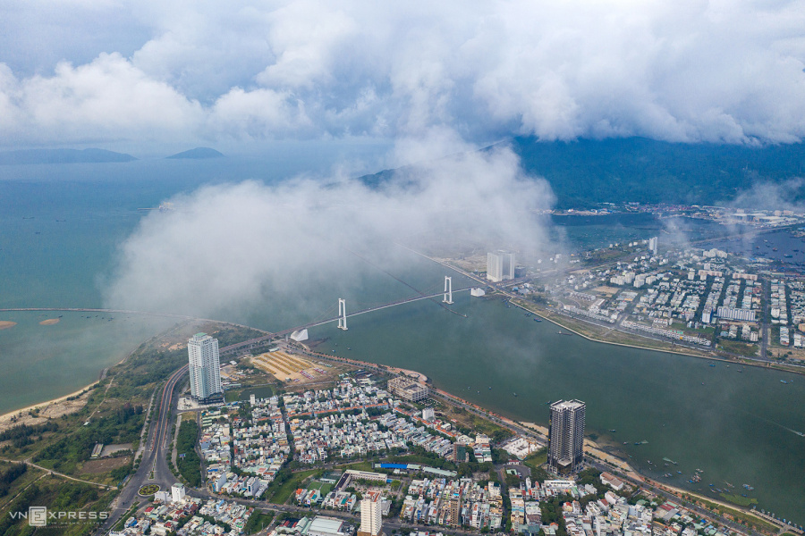 Da Nang's tourist attractions swim in a sea of clouds - VnExpress International