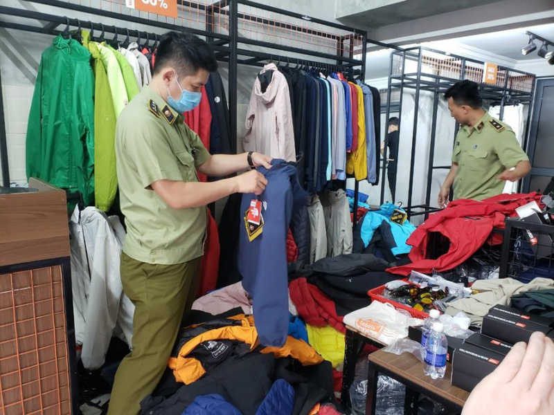 Thousands of counterfeit products seized in Danang