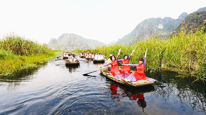 Van Long lagoon: An untouched destination in Ninh Binh province
