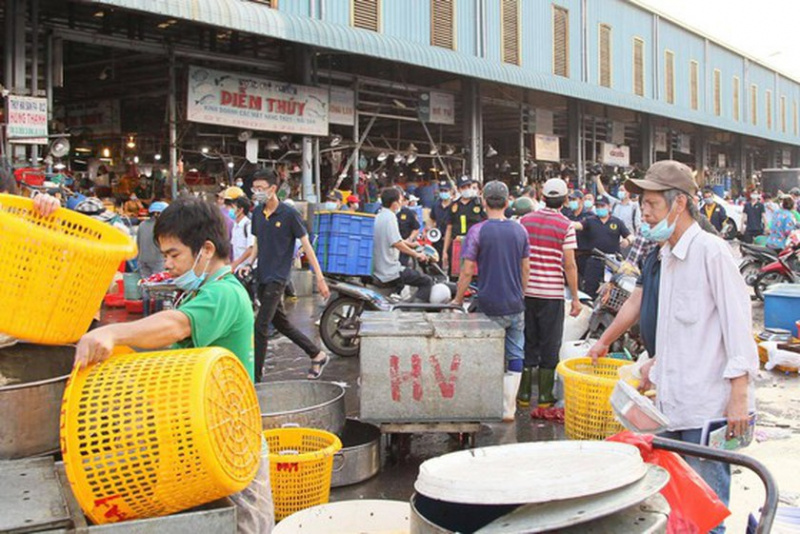 Binh Dien whosale market, District 8's Coach Station, quarantine facility in District 7, epidemic prevention and control, HCMC authorities, inspect Covid-19 prevention and control work