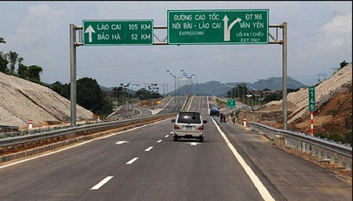 Project connecting highway Noi Bai – Lao Cai is considered and adjusted for investment policy