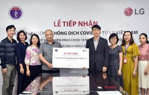 LG provides 10,000 sets of COVID-19 test kits for Ministry of Health