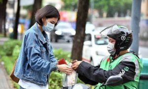 Gojek shifts to introduce car rides in Vietnam