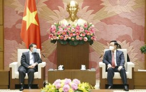 National Assembly Chairman receives Lao Ambassador