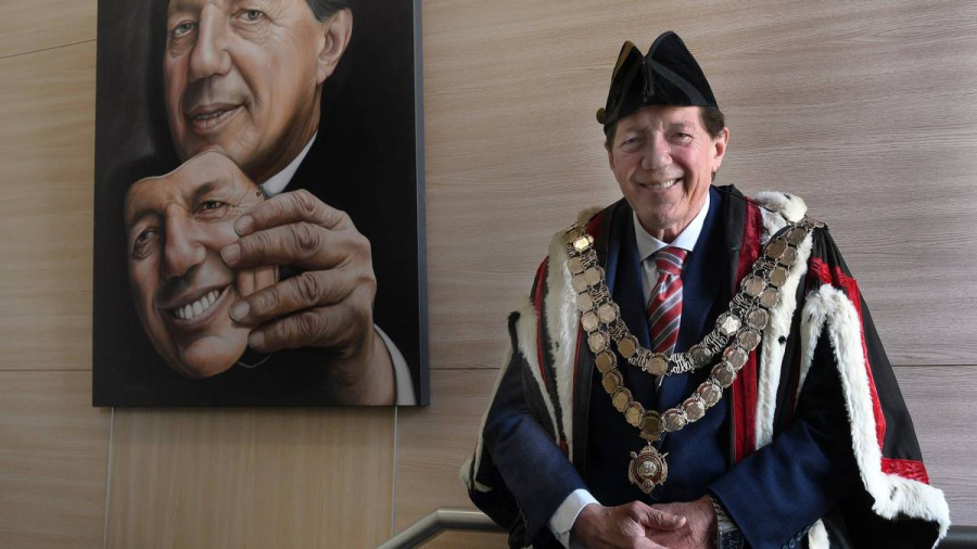 Local government expert on unfolding Invercargill council / mayoral saga