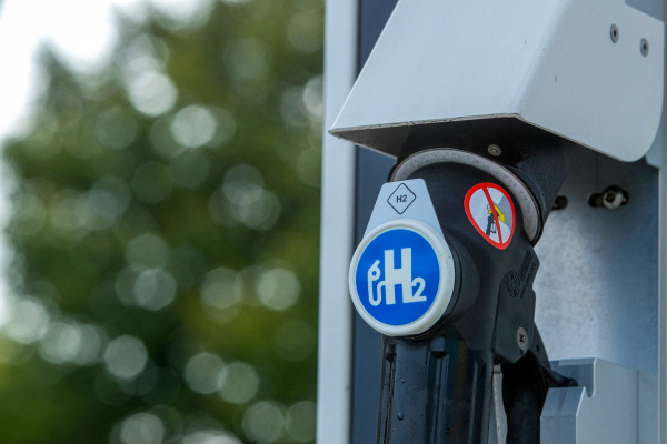 """""""green"""" hydrogen, UBS report, carbon tax, China"""