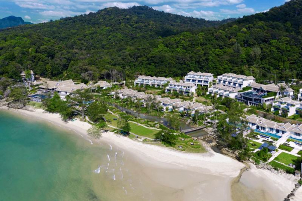 Sanctuary for the senses  Banyan Tree Krabi is where the sapphire blue sea meets tropical white sands against a backdrop of lush jungle-green