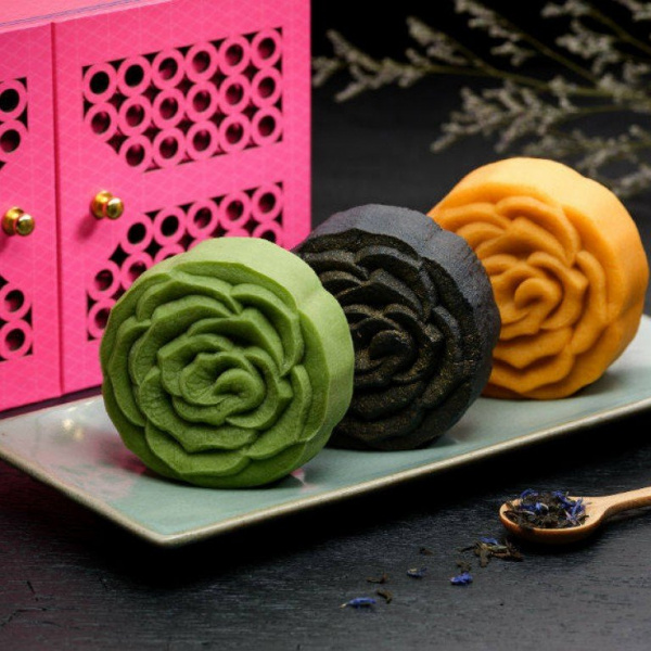 With US$595 truffle and gold leaf mooncakes, Mid-Autumn Festival 2021 is all about luxury for people with money to spend and nowhere to travel in the coronavirus pandemic