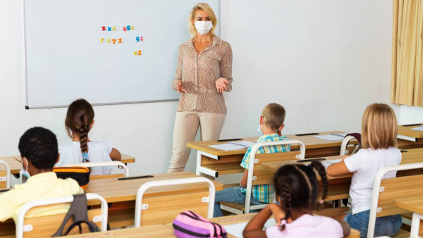 Covid 19 Delta outbreak: Teacher, two teacher aides quit over mandated vaccinations