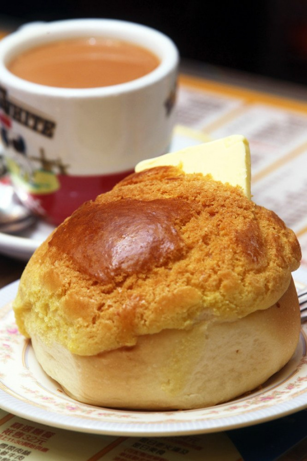If there was a Hong Kong 'national dish' what would it be? And how about one for the Macanese?